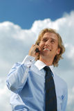 Homme d'affaires avec un téléphone portable Photo stock