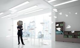 Homme d'affaires avec une vieille TV au lieu de tête illustration stock