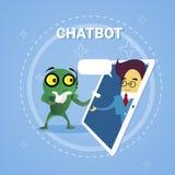 Homme d'affaires causant avec Chatbot par le concept moderne de technologie de soutien de robot de Bot de broutement de Tablette  illustration de vecteur
