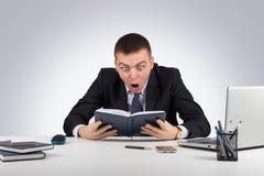 Homme d'affaires choqué dans la panique Photo libre de droits