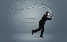 Homme d'affaires courant avec le dispositif et les lignes tirées par la main Photographie stock libre de droits