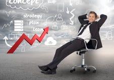 Homme d'affaires détendant sur la chaise sur le fond de concept de plan d'action Photographie stock