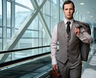 Homme d'affaires dans un aéroport Images libres de droits