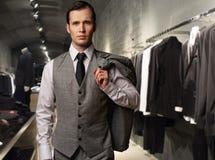 Homme d'affaires dans une boutique Image libre de droits
