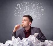 Homme d'affaires derrière le papier chiffonné illustration de vecteur