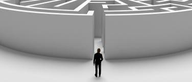 Homme d'affaires devant un labyrinthe illustration libre de droits