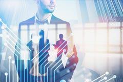 Homme d'affaires et équipe sûrs, technologie images stock