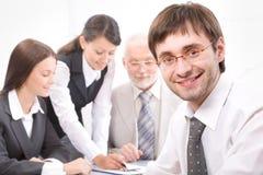 Homme d'affaires et collègues Image libre de droits