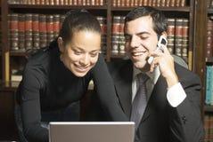 Homme d'affaires et femme - horizontaux Image libre de droits