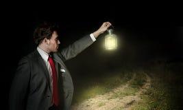 Homme d'affaires et la bonne voie Images stock