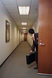Homme d'affaires et sa serviette image libre de droits