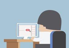 Homme d'affaires faisant des emplettes en ligne devant l'ordinateur Images stock