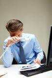 Homme d'affaires fatigué photographie stock libre de droits