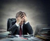 Homme d'affaires frustrant Sitting images libres de droits