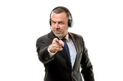 Homme d'affaires furieux dirigeant un doigt de blâme Images libres de droits