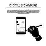 Homme d'affaires futé de téléphone portable de signature digitale Image stock