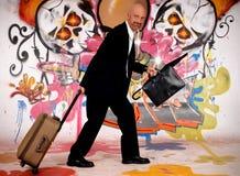 Homme d'affaires, graffiti urbain images libres de droits