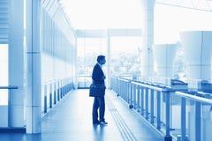 Homme d'affaires indien à l'aéroport Images libres de droits
