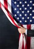 Homme d'affaires, l'Amérique, les Etats-Unis, drapeau, caché, affaires, charbon de bois, menace ou occasion Photographie stock libre de droits