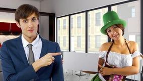 Homme d'affaires le jour de St Patrick image libre de droits
