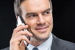 Homme d'affaires parlant sur le smartphone Photo libre de droits