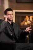 Homme d'affaires parlant sur le téléphone portable Photos libres de droits