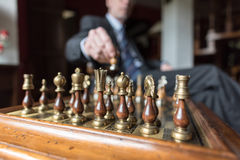 Homme d'affaires Playing Chess Image libre de droits