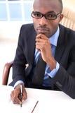 Homme d'affaires réfléchi. photographie stock