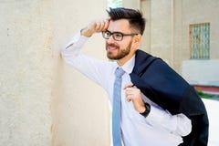 Homme d'affaires réussi sur une rue Photographie stock libre de droits