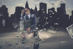 Homme d'affaires regardant en avant Images libres de droits