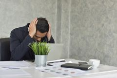 Homme d'affaires Stress de travail problématique Images libres de droits