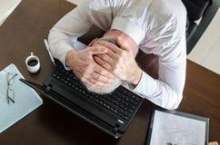 Homme d'affaires surchargé Photographie stock libre de droits