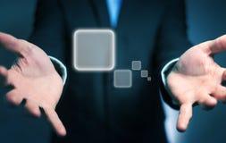 Homme d'affaires surfant sur l'Internet avec l'interface tactile numérique 3 Photographie stock libre de droits