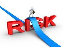 Homme d'affaires surmontant le mot de risque illustration libre de droits