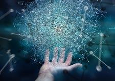 Homme d'affaires tenant la sphère de réseau informatique du rendu 3D dans sa main Images libres de droits