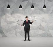 Homme d'affaires tenant le nuage vide Image libre de droits