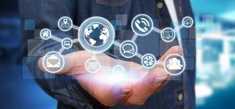Homme d'affaires tenant le réseau tactile numérique de Web d'écran avec le Web Images stock