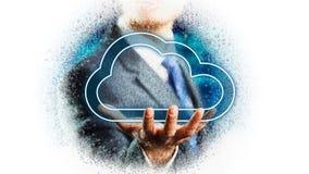 Homme d'affaires tenant un symbole de nuage au-dessus de sa main images libres de droits