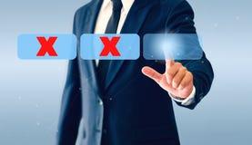 Homme d'affaires touchant le bouton virtuel de coches Le concept de la décision économique peut être exact ou erroné image stock