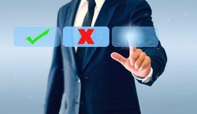 Homme d'affaires touchant le bouton virtuel de coches Le concept de la décision économique peut être exact ou erroné photographie stock