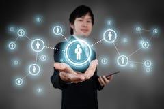 Homme d'affaires travaillant avec l'objet visuel numérique, ressource humaine c photographie stock