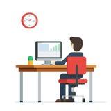 Homme d'affaires travaillant sur l'ordinateur Image libre de droits