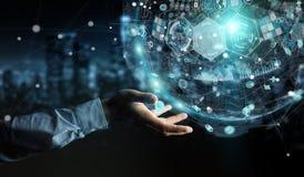 Homme d'affaires utilisant le rendu numérique de la sphère 3D de données d'hologrammes Photo libre de droits