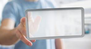 Homme d'affaires utilisant le rendu numérique du comprimé 3D d'écrans Image libre de droits