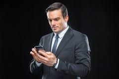Homme d'affaires utilisant le smartphone Images libres de droits