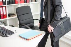 Homme d'affaires venant pour travailler Image stock