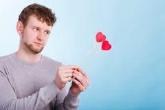 Homme dans l'amour avec des coeurs Images libres de droits