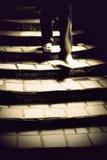 Homme dans l'escalier fantasmagorique Photos libres de droits