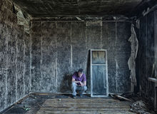 Homme dans la chambre Photo libre de droits