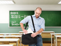 Homme dans la salle de classe Images libres de droits